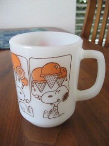 Fire King Anchor Hocking Snoopy 1958 Milk Glass Coffee Mug Cup Schulz Ice Cream