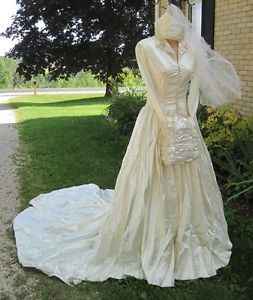 1930s 40's Full Length Satin Wedding Dress Gown with 6 ft Train Veil Muff Sz S