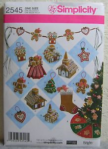 Simplicity Sewing Pattern Christmas Decor Tree Skirt Stocking Ornaments