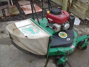 Walk Behind Commercial Mower Billy Goat 33 Lawn Mower 13 HP Catcher Bag Reverse