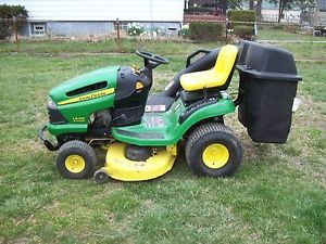John Deere La 120 Lawn Tractor Riding Mower