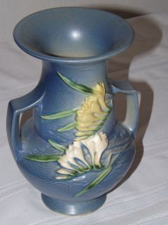 Roseville Freesia Blue Double Handled Vase 122 8