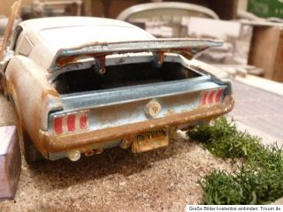 Ford Mustang GT Fastback BJ 1968 Barn Find Diorama in 1 18 Scale 1 18 Junkyard