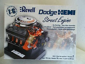 Revell Dodge Hemi 426 Street Engine 1 6 Scale Die Cast Model Skill 2 100 Parts
