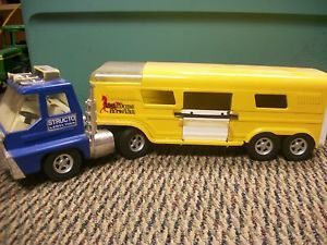 Structo by Ertl Toys Horse Truck and Trailer