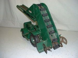 50's Era Doepke Toys Barber Greene on Rubber Sand Gravel Loader