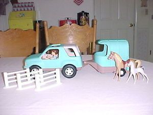 Vintage Little Tikes Dollhouse Size Truck Jeep Horse Trailer Horses Figure