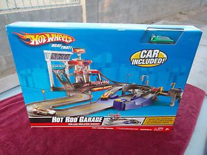 Hot Wheels Hot Rod Garage Electric Car Included New