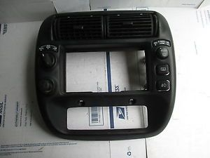 1995 1996 1997 1998 1999 2000 2001 Ford Explorer Radio Bezel with 4x4 Switch