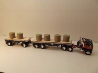 DCP Freightliner Double Hay Trailers
