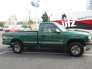 1999 Chevrolet Silverado 4x4 Regular Cab Long Bed V8 AC