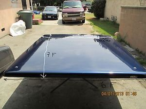 01 05 Chevrolet Silverado or GMC Snugtop Fiberglass Tonneau Cover Blue Used