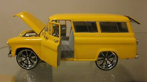 DUB CITY 1957 CHEVY SUBURBAN RARE CUSTOM DONK 24 CHROME WHEELS 124
