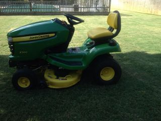 John Deere Lawn Tractor Excellent Condition