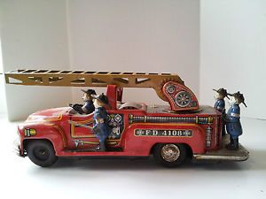 Vintagetin Litho Toy Fire Engine Truck Revolving Ladder TM Japan 4 Tin Firemen