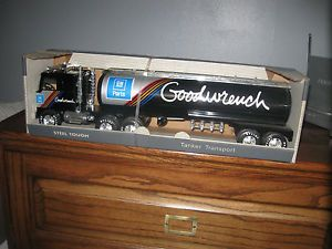 Nylint Goodwrench Parts 18 Wheeler Semi Truck Tanker No 990 Z GMC Astro Cab