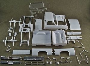 1 24 Scale Model Car Parts Junk Yard 1977 4x4 GMC Pick Up Truck Body Chassis