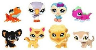Hasbro 94410 Littlest Pet Shop 2 Collectors Pack of 8 Pets Frog Parrot Owl