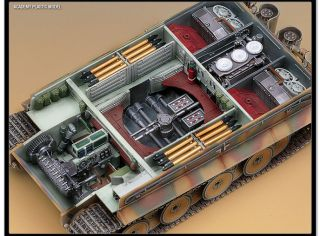 Plastic Model Kit Tank German Tiger I Early Version 1 35 Academy 13239