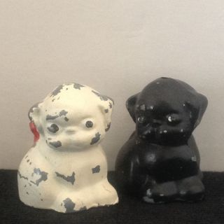 Antique Vtg Hubley Cast Iron Metal Puppy Dog Figurine 1 Black 1 White Red Bow