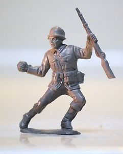 Lido WWII German Army Toy Soldier Running with Rifle