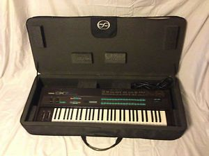 Yamaha DX7 Synthesizer Super Clean w ROM Cartridge Custom Case Note Stand