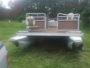 20' Aluminum Pontoon Boat 8' Wide Steering Console Captains Chair 2 Padded Seat