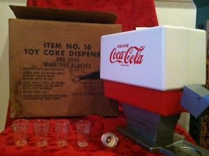 Old 1960's Coca Cola Soda Pop Vintage Toy Coke Machine Dispenser Box Cups 16