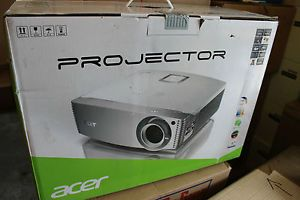 New Acer H9500BD 1080p DLP 3D Home Theater Projector 2000 Lumens Free Glasses 4717276614027