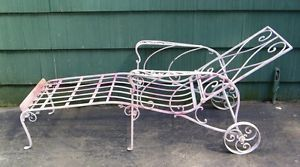 Victorian Wrought Iron Garden Outdoor Chaise Lounge Arm Chair
