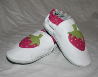 New Robeez Strawberry White Leather Crib Shoes 18 24