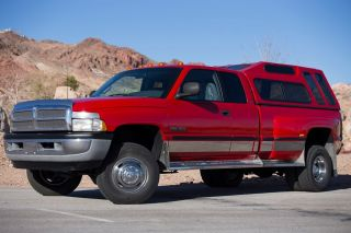 Dodge RAM 3500 Laramie SLT 4x4 Quad Cab Dually 5SPD Turbo Diesel