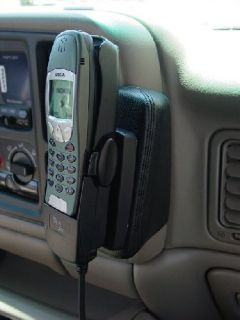 Kuda Cell Phone iPod GPS Mount Chevy Silverado Tahoe IE 2002 2003 2004 2005 2006