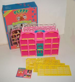 1994 Vintage Puppy in My Pocket Puppy Play 'N' Display House Boxed