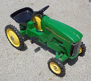 Ertl John Deere 8310 Farm Toy Ride on Pedal Tractor