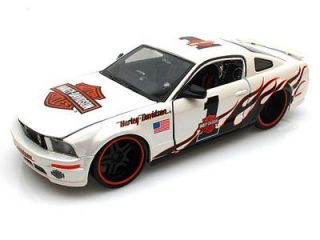 Maisto H D Custom Harley Davidson 2006 Ford Mustang GT 1 24 G Scale WH B