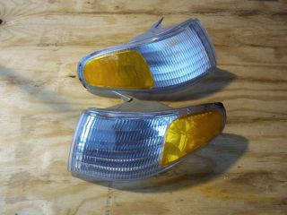 Ford Mustang 1996 L R Side Marker Turn Signal Light Housings