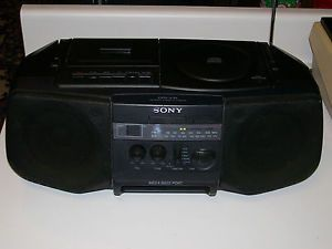 Sony Boombox CFD V10 Cassette CD Player Very Good Condition
