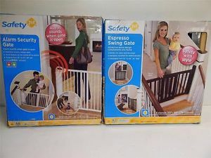 Mixed Lot of 2 Safety 1st Espresso Swing Gate Alarm Security Gate 22378