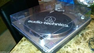 Audio Technica at PL120 Professional Direct Drive Turntable