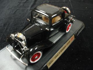 1932 Ford 3 Window Coupe Black Road Signature from Fairfield Mint 1 18 Mint