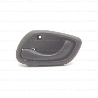 99 04 Inside LH Door Handle Fits Chevrolet Tracker
