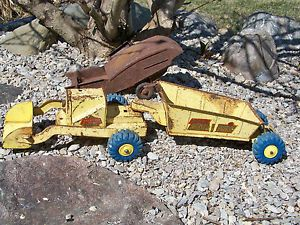 Vintage Marx Lumar Contractors Earth Hauler w Hard to Find Blue Tires