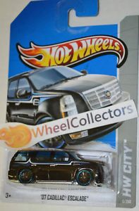 '07 Cadillac Escalade Black 6 2013 Hot Wheels Case F