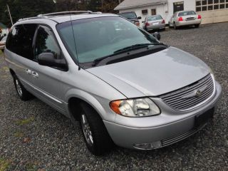 2001 Chrysler Town Country Limited  Loaded Mini Van All Wheel Drive