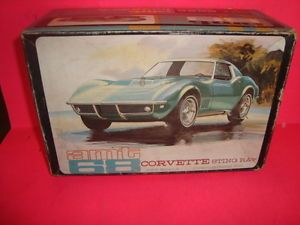 1 25 Scale Model Car Parts AMT 1968 Chevy Corvette
