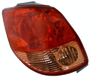 OE Replacement Toyota Matrix Driver Side Taillight Lens/Housing (Partslink Number TO2818118) Automotive