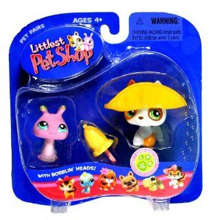 "Hasbro Year 2006 Littlest Pet Shop Pet Pairs ""Super Sassy Pets"" Series Bobble Head Pet Figure Set   Purple Snail with Green Shell (#128) and White Jack Russel Terrier Puppy Dog (#127) with Brown Spot Plus Yellow Hat and Umbrella (51833) Toys &am"